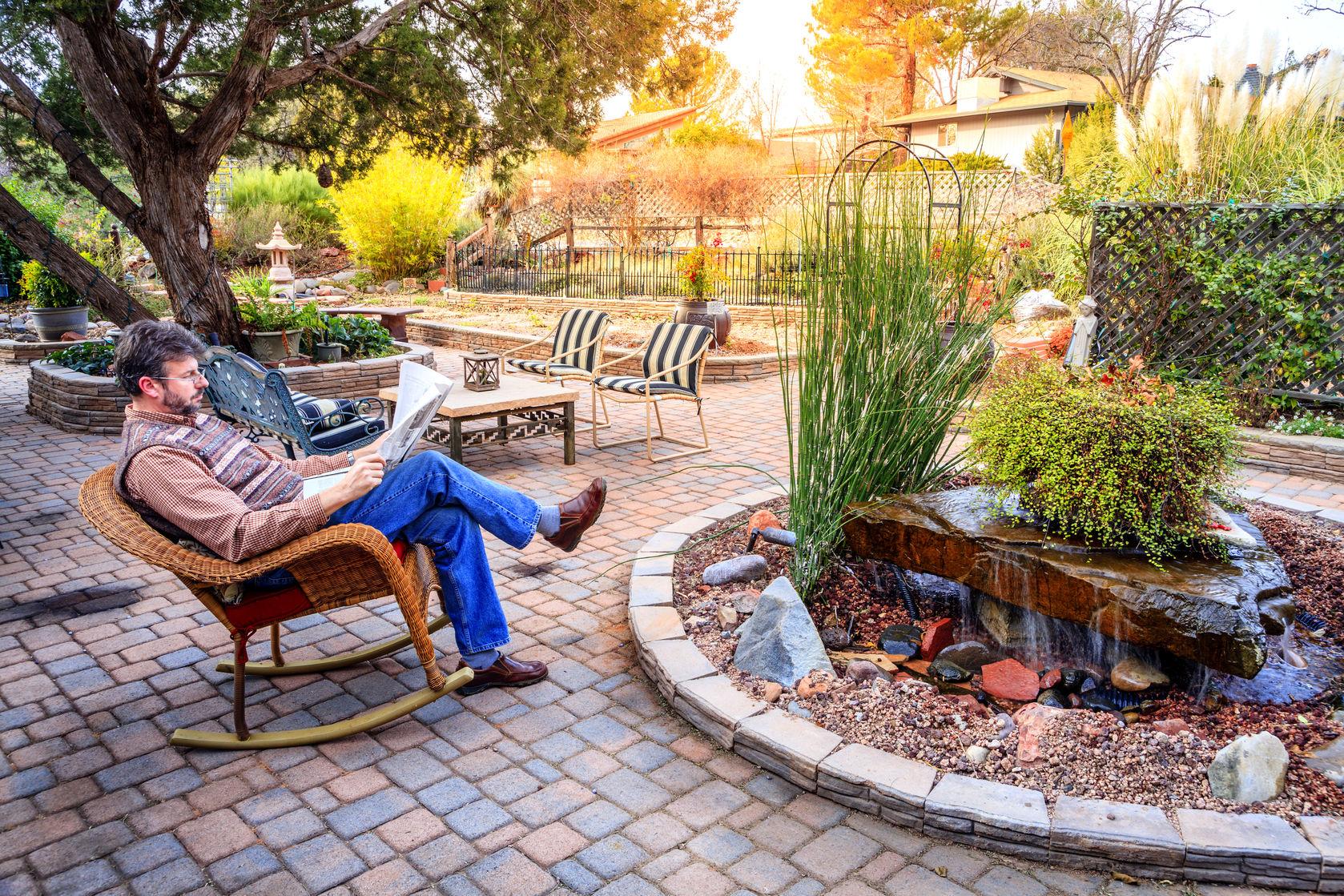 patio desert style garden