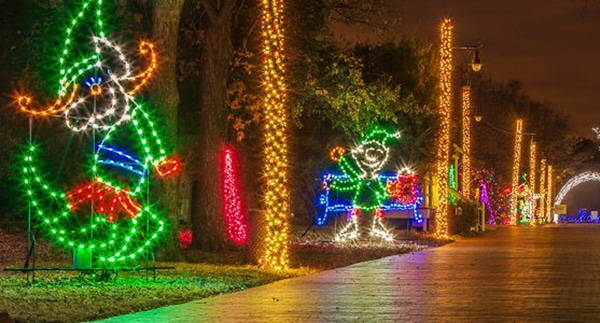 Tour of Lights in Farmers Branch - Where To Find The Best Christmas Lights Near Dallas