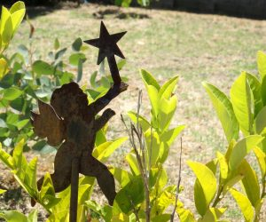 Lawn and Garden Ornaments: Fun Outdoor Decorations for Any Season